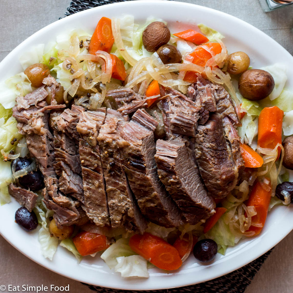 Easy Slow Cooker Corned Beef And Cabbage